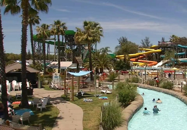 High temperatures forced people to cool off at Concord water park